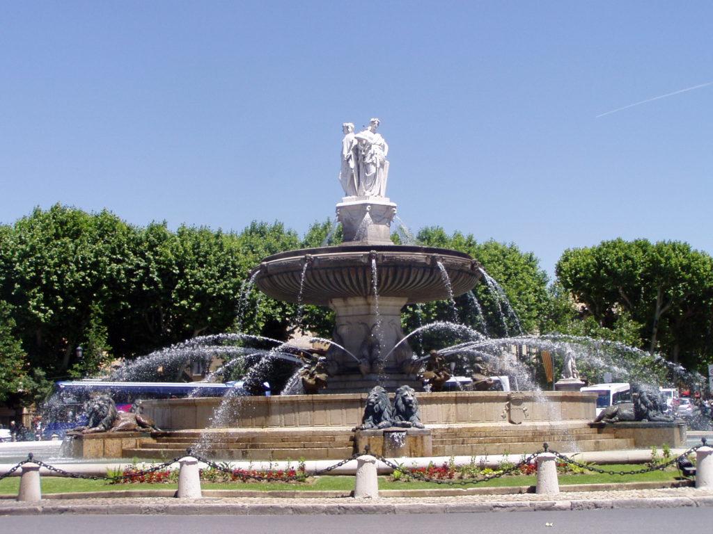 Aix en Provence situé à 45min de location de Fontenelle