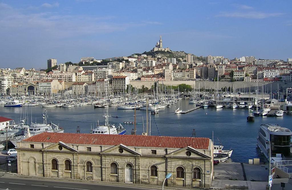 Marseille situé à 50min de la Résidence de gîte Fontenelle